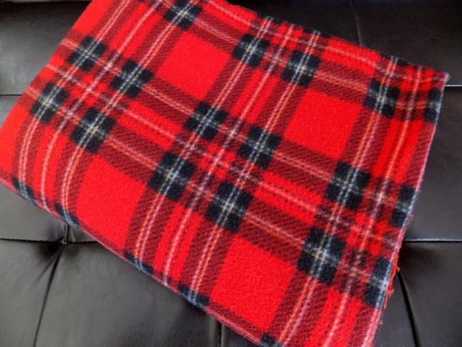 アクリルとポリエステル・2種類ある化繊の毛布