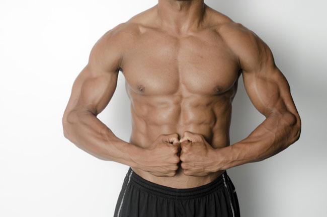 肩幅の広いアスリートは硬い敷き布団だとよく眠れない・腕の故障も